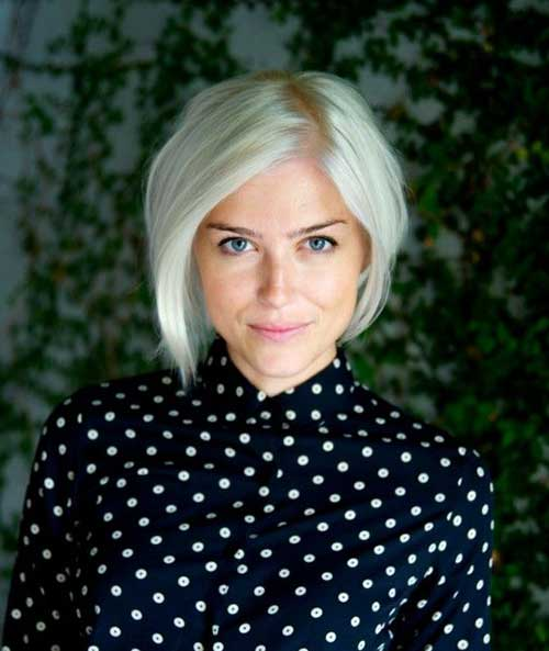 Short-Blonde-Bob-Hairstyle Short Haircuts for Round Face Shape