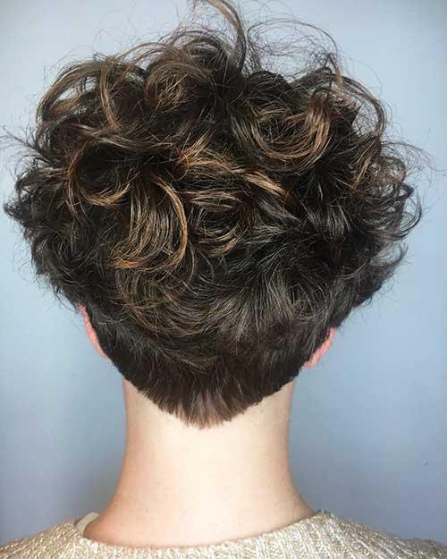 Short-Hair-1 Alluring Short Curly Hair Ideas for Summertime