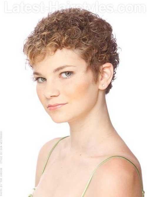 Short-Haircuts-For-Curly-Hair-11 Cute Short Haircuts For Curly Hair