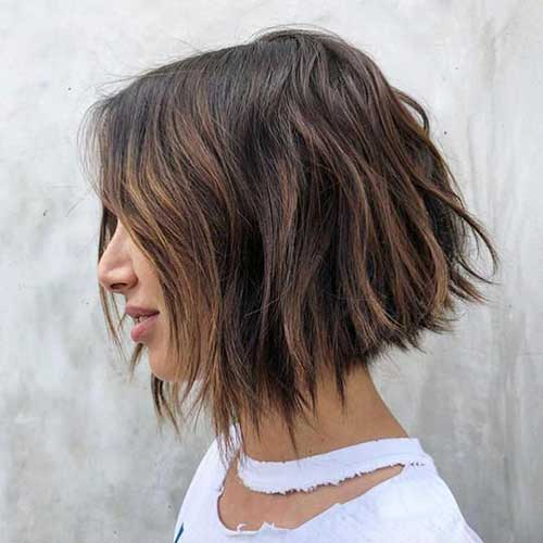 Short-Hairstyle-for-Thick-Wavy-Hair Wavy Short Hair Styles for Chic Ladies