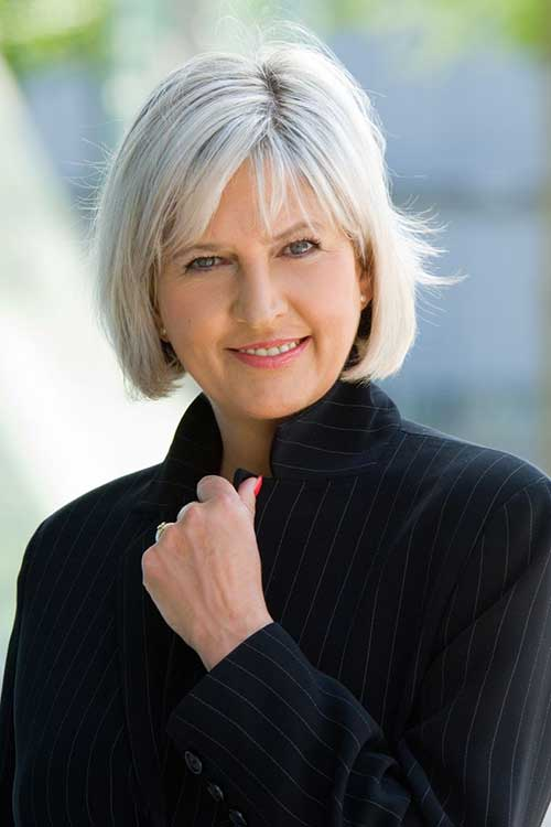 Short-Layered-Bob-Haircut-for-Older-Women Bob Hairstyles for Older Ladies