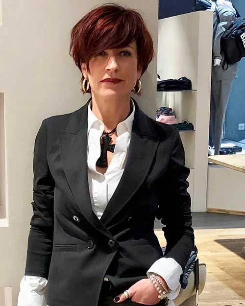 Short-Layered-Haircuts-for-Women-Over-50-014-www.vozsex.com_ Best Short Layered Haircuts for Women Over 50