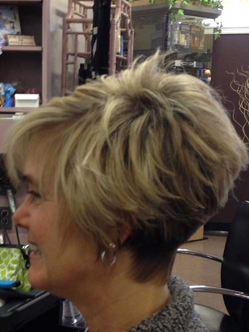 Short-Layered-Haircuts-for-Women-Over-50-028-www.vozsex.com_ Best Short Layered Haircuts for Women Over 50
