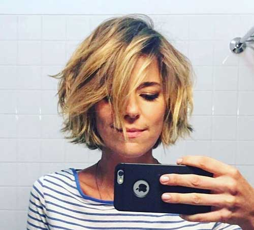 Side-Parted-Bob-1 Best Pics of Layered Short Hair for Round Face