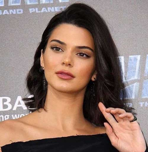 Side-Parted-Long-Bob Kendall Jenner Short Hair Pics