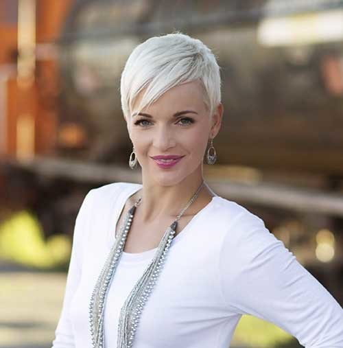 Side-Swept-White-Colored-Pixie-Haircut-with-Long-Bangs Best Pixie Haircuts
