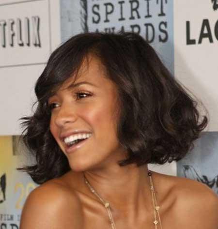 Straight-Line-Wavy-Bob Short Hairstyles for Black Women