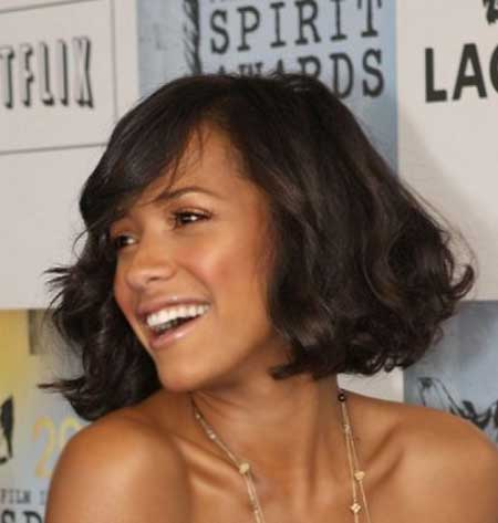Straight-Line-Wavy-Bob Short Hairstyles for Black Women
