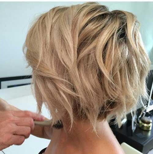 Wavy-Short-Hair Short Haircuts for Round Face Shape