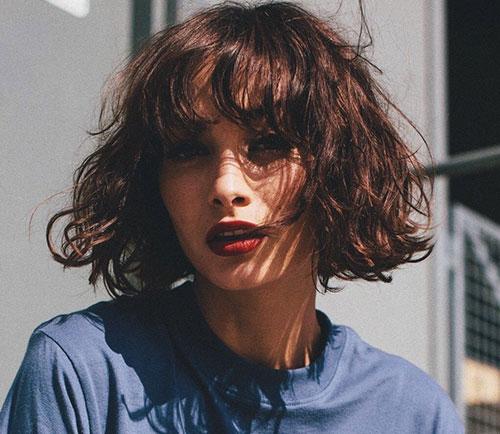 Bangs-Haircut-for-Short-Wavy-Hair Most Pretty Short Wavy Hair with Bangs Ideas