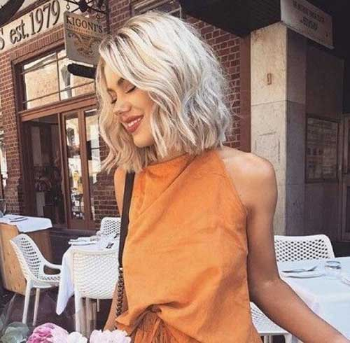 Blonde-Bob-with-Wavy-Ends Short Wavy Hairstyles for Women with Style