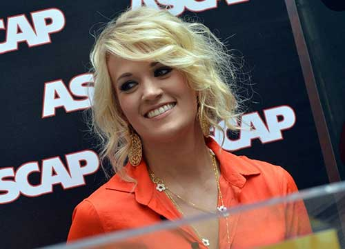 Carry-Underwood's-Short-Wavy-Hair Female Celebrity Short Haircuts 2015