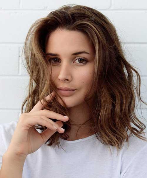 Casual-Short-Wavy-Haircut Casual Short Haircuts