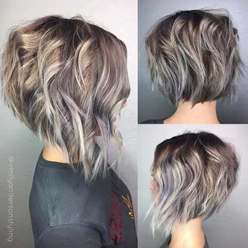 Inverted-Thick-Bob-Style Short Wavy Hairstyles for Women with Style