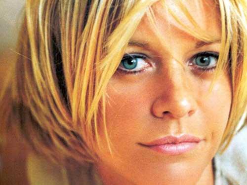 Meg-Ryan's-Short-Blonde-Hair Female Celebrity Short Haircuts 2015
