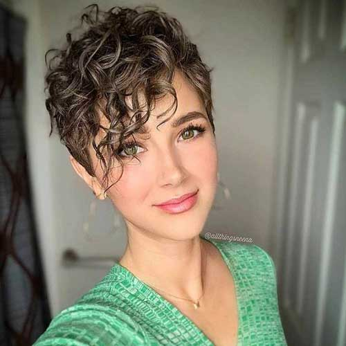Messy-Curls-1 Cute Short Curly Hairstyles for Sweet View