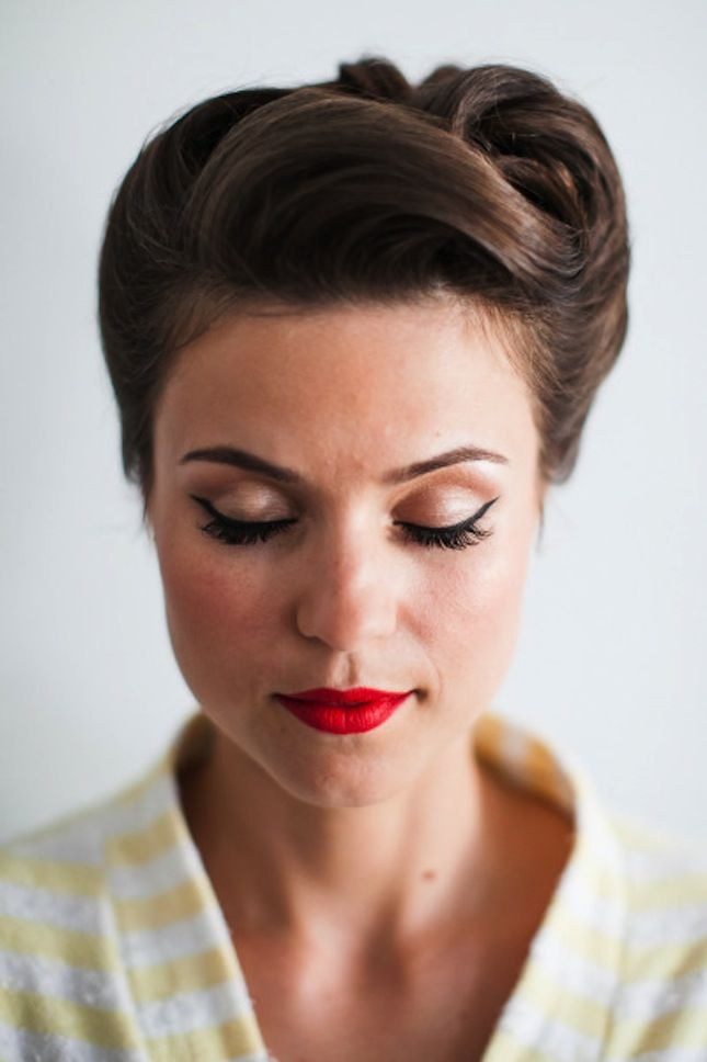 Retro-Inspired-Wedding-Updo-Hairstyle Elegant Retro Hairstyles 2019 – Vintage Hairstyles for Women