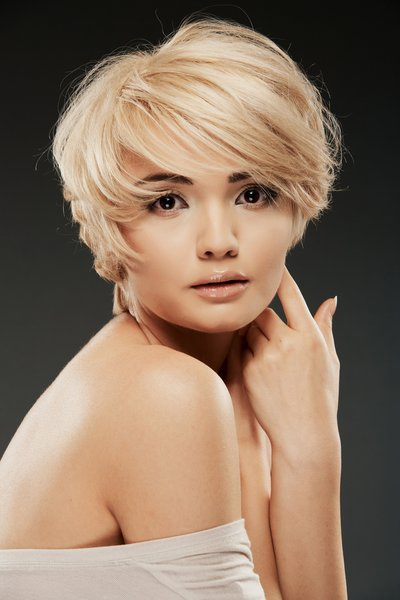 Shaggy-bob Hypnotic Short Hairstyles for Women with Square Faces