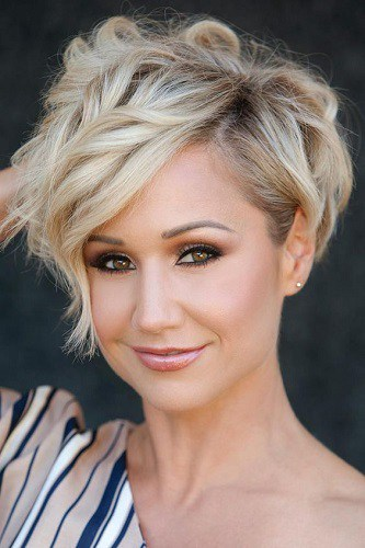 Short-Hairstyles-for-Women-with-Square-Faces-26 Hypnotic Short Hairstyles for Women with Square Faces