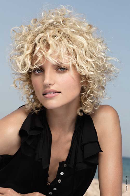 Short-Layered-Bob-Frizzy-Blonde-Curly-Hair Short Haircuts For Curly Frizzy Hair