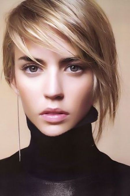Short-Straight-Hairstyle-With-Side-Bangs Alluring Straight Hairstyles for 2019 (Short, Medium & Long Hair)