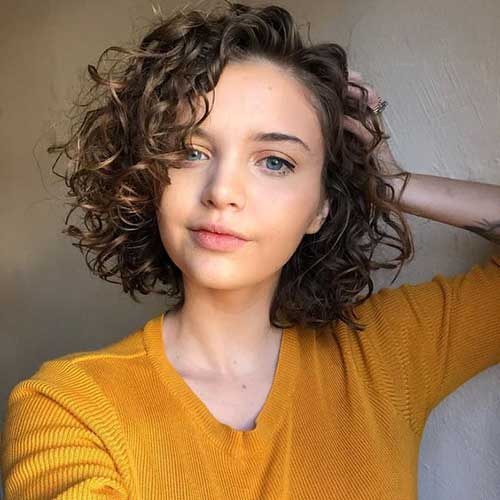 Side-Parted-Bob-1 Cute Short Curly Hairstyles for Sweet View
