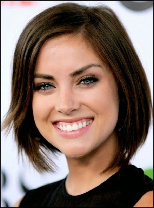 Textured-bob-with-long-bangs Hypnotic Short Hairstyles for Women with Square Faces