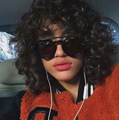 Wavy-Curly-Hair-with-Fringe Cute Short Curly Hairstyles for Sweet View