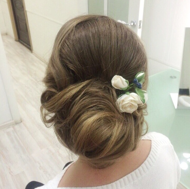 Wedding-Hairstyles-14 Romantic Wedding Hairstyles for 2019