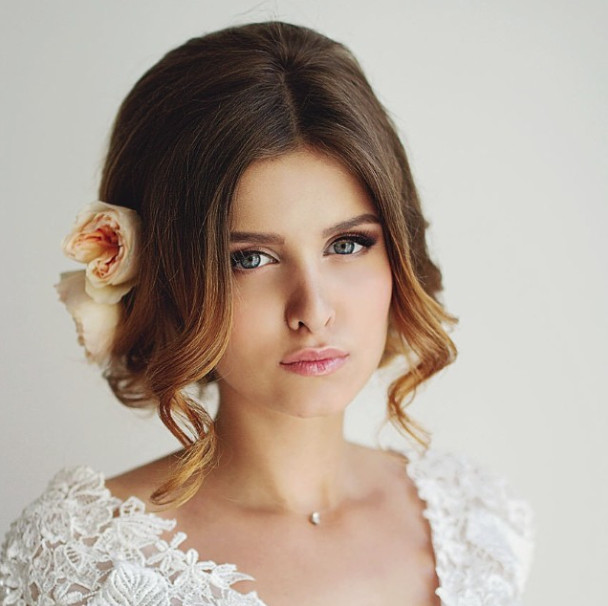 Wedding-Hairstyles-21 Romantic Wedding Hairstyles for 2019