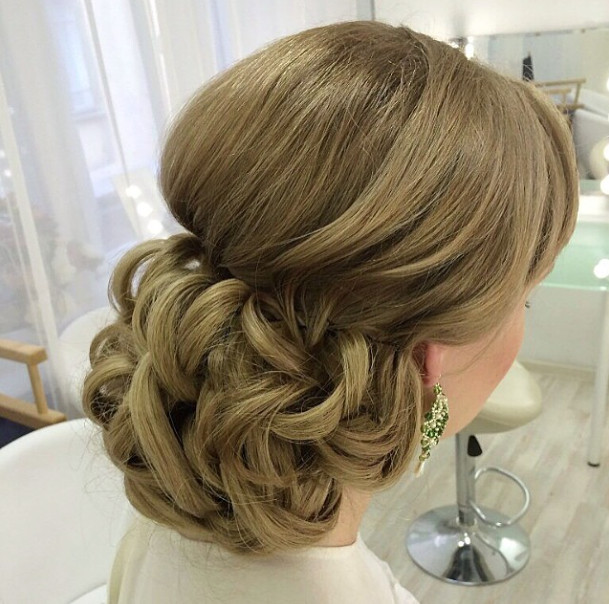 Wedding-Hairstyles-8 Romantic Wedding Hairstyles for 2019