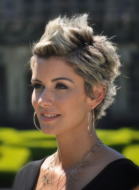Amanda-Forrest-Spiked-Short-Haircut-for-Women Chic Short Cuts You Should Not Miss - Short Hair Trends for 2019