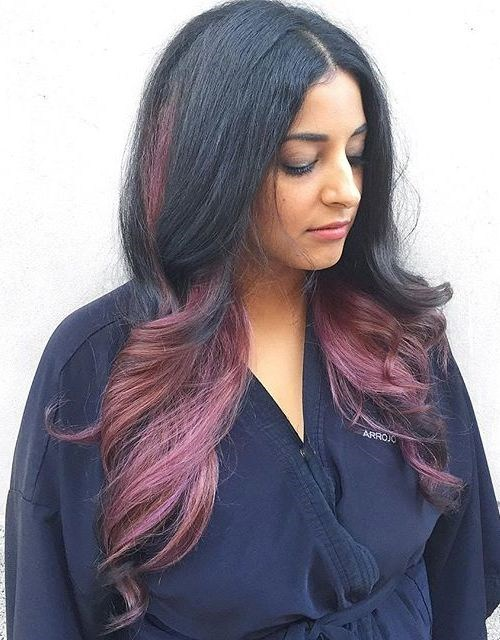 Black-Waves-with-Pale-Burgundy-Highlights New Hairstyles and Hair Color Ideas for Fall