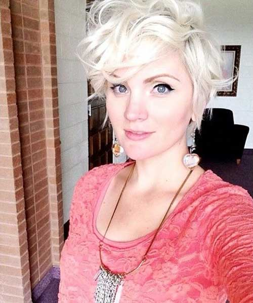 Blondie-Pixie-Cut-for-Curly-Hairstyle Short Curly Pixie Haircuts