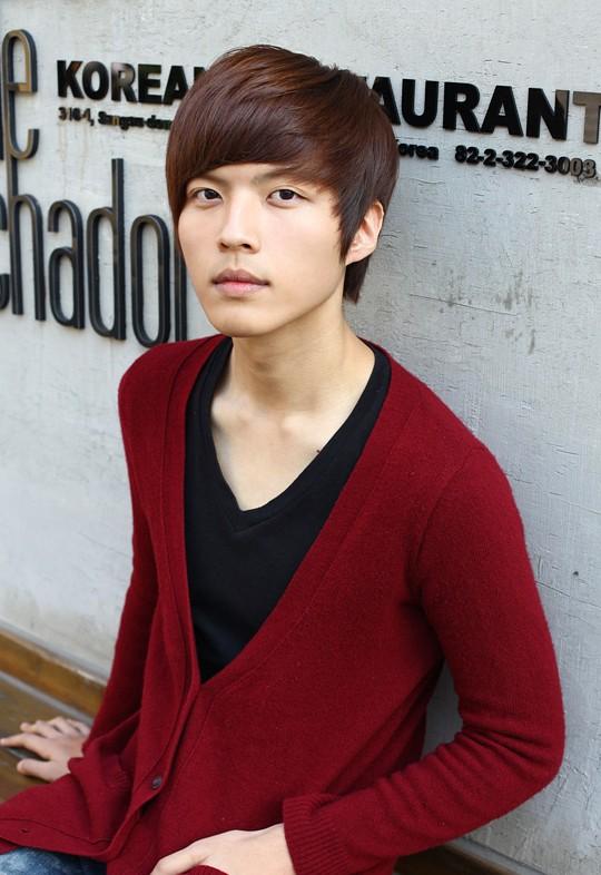Cool-Korean-Guys-haircut-–-latest-sleek-short-haircut-for-Asian-guys Cool Korean and Japanese Hairstyles for Asian Guys