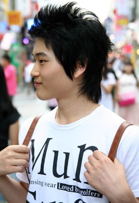 Korean-hairstyles-for-guys-–-chic-dark-black-short-haircut-for-Asian-men Cool Korean and Japanese Hairstyles for Asian Guys
