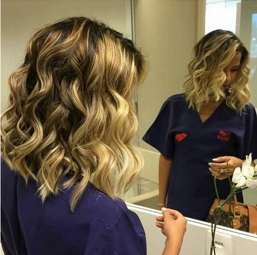 Medium-Wavy-Hairstyle-1 Flattering Medium Hairstyles for 2019