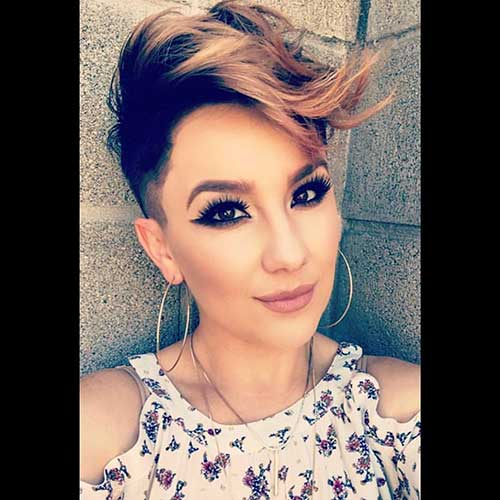Pixie-with-Short-Sides Best Short Hairstyle Ideas for Oval Faces