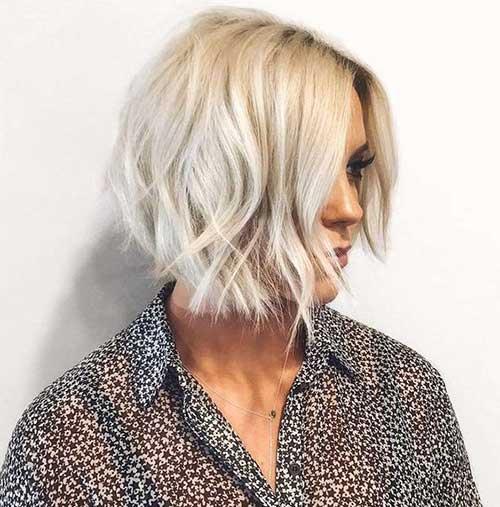 Platinum-Blonde-Soft-Wavy Short Thin Hairstyles to Easily be Feminine