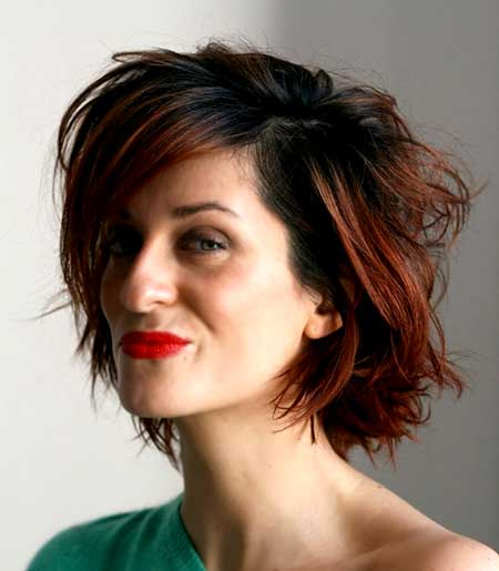 Short-Asymmetrical-Hairstyle-with-Medium-and-Messy-Bangs Best Short Haircuts for Wavy Hair