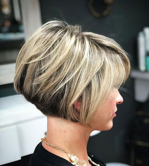 Stacked-Short-Layered-Bob Modern Hairstyles for Short Hair