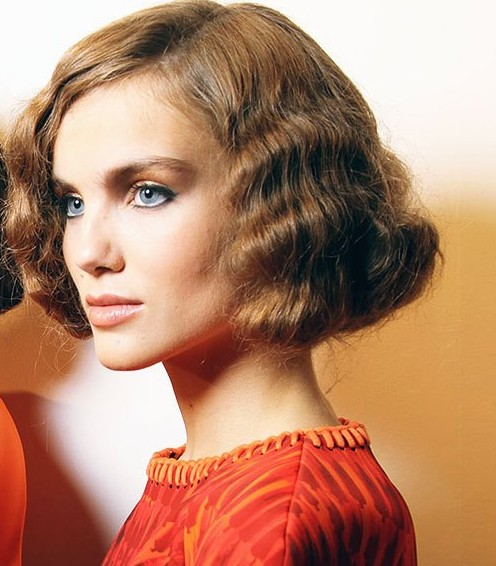 Waved-Flapper-Bob Chic Short Cuts You Should Not Miss - Short Hair Trends for 2019