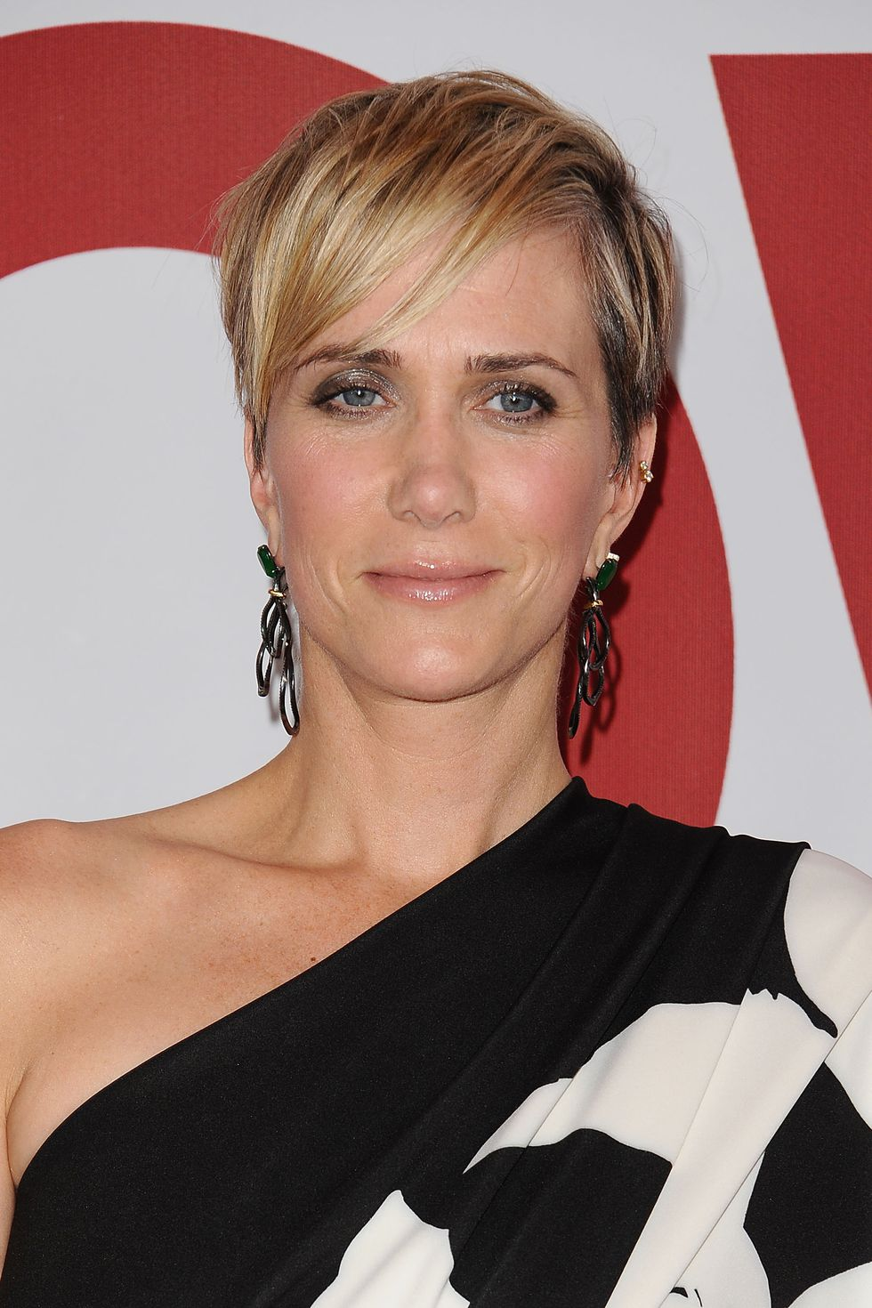 Angled-Bangs Best Short Pixie Cut Hairstyles - Cute Pixie Haircuts for Women