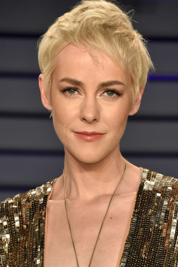 Blonde-and-Voluminous Best Short Pixie Cut Hairstyles - Cute Pixie Haircuts for Women