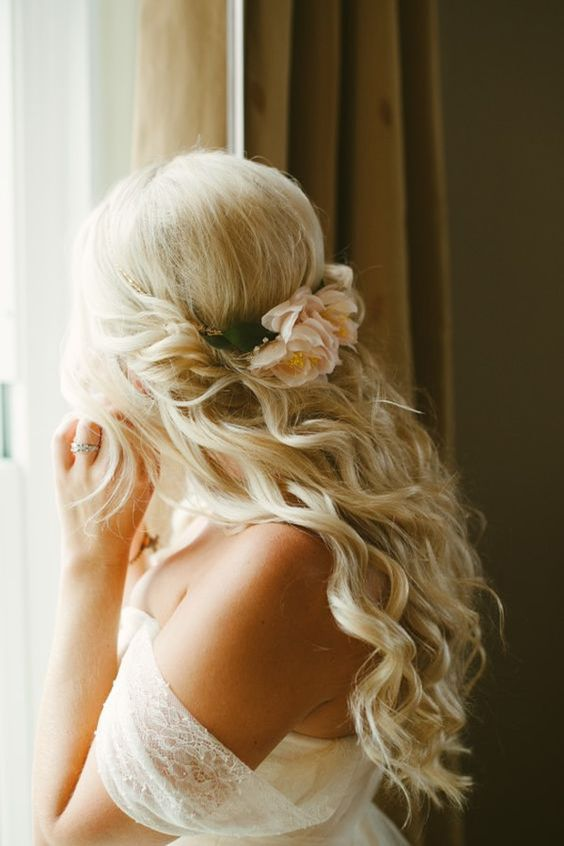 Half-up-Half-down-for-Curly-Hair Wedding Hair Ideas for Spring