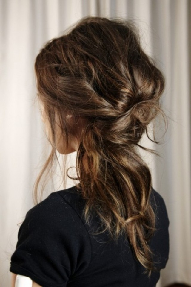 Messy-Ponytail Loose Hairstyles to Look Relaxed and Ravishing
