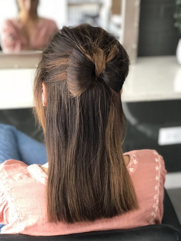 Mid-Bow Simple Medium Hairstyles for Stunning Look
