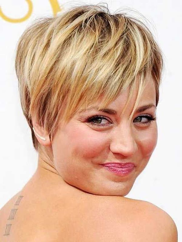 Short-Feather-Cut-Hairstyle Glorious Short Hairstyles for Chubby Faces