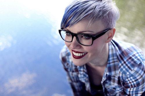 Short-hair-purple-highlights Best Short Hair Colors