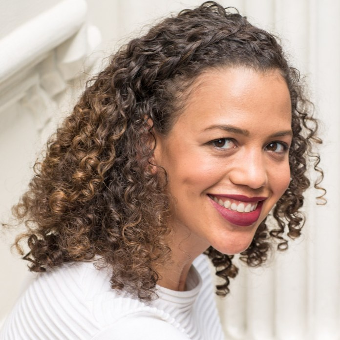 The-Quintessential-Curls Worth Trying Curly Hairstyles with Braids